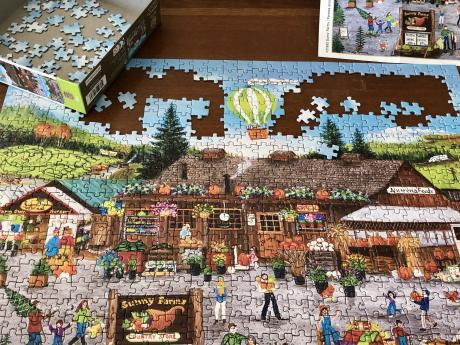 A puzzel, nearly completed.